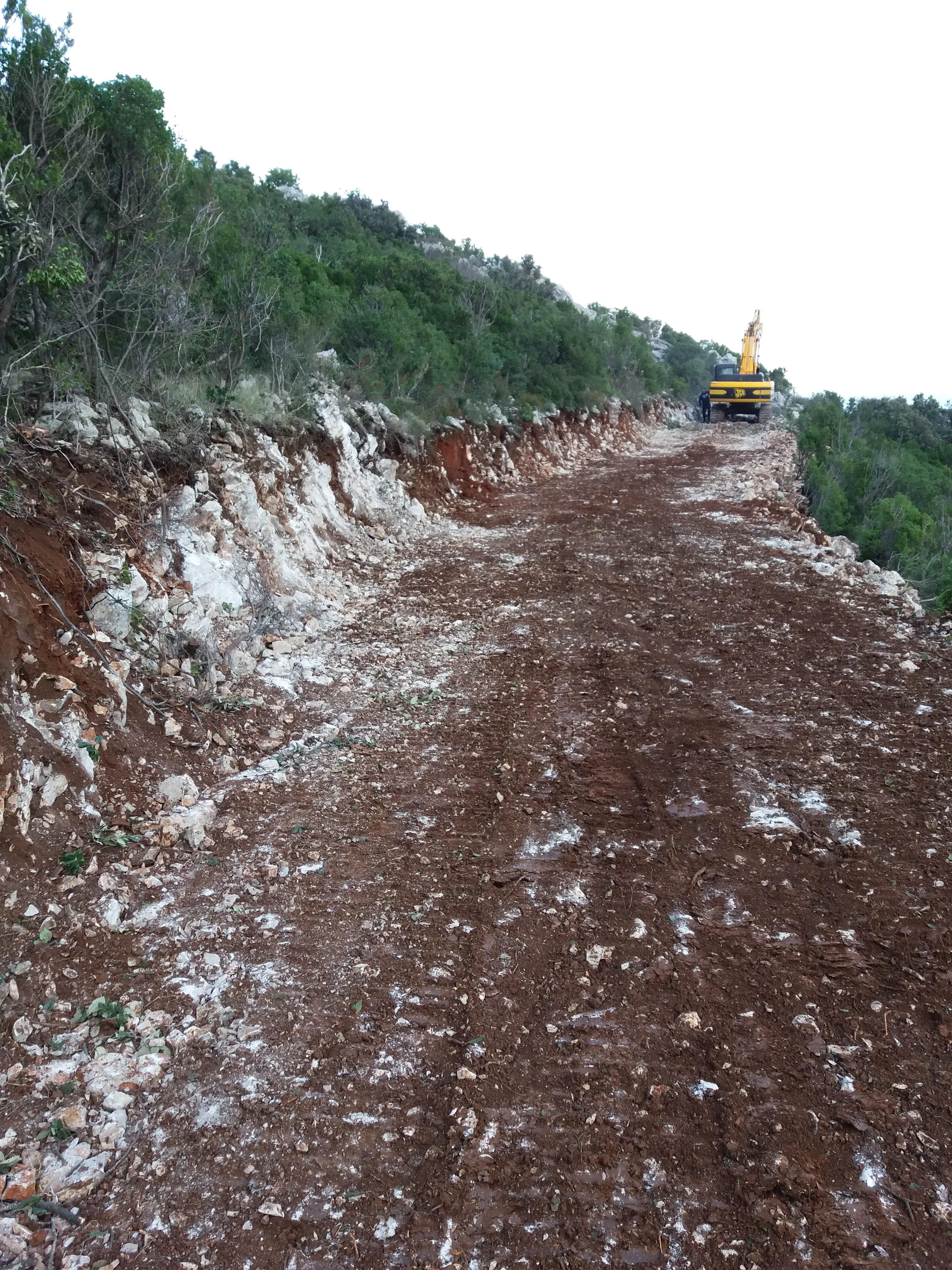 Izgrdnja protupožarne prosjeke s elementima šumarske ceste Duba-Lovište, Pelješac